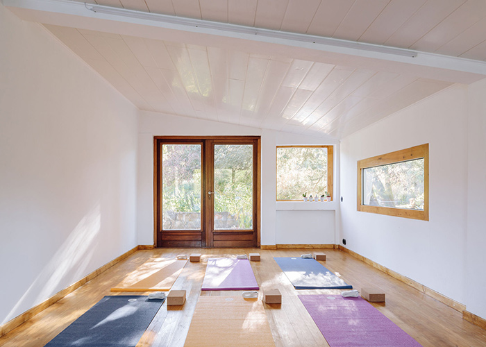 Room with Yoga mats at Lua Nua, Alentejo, Portugal