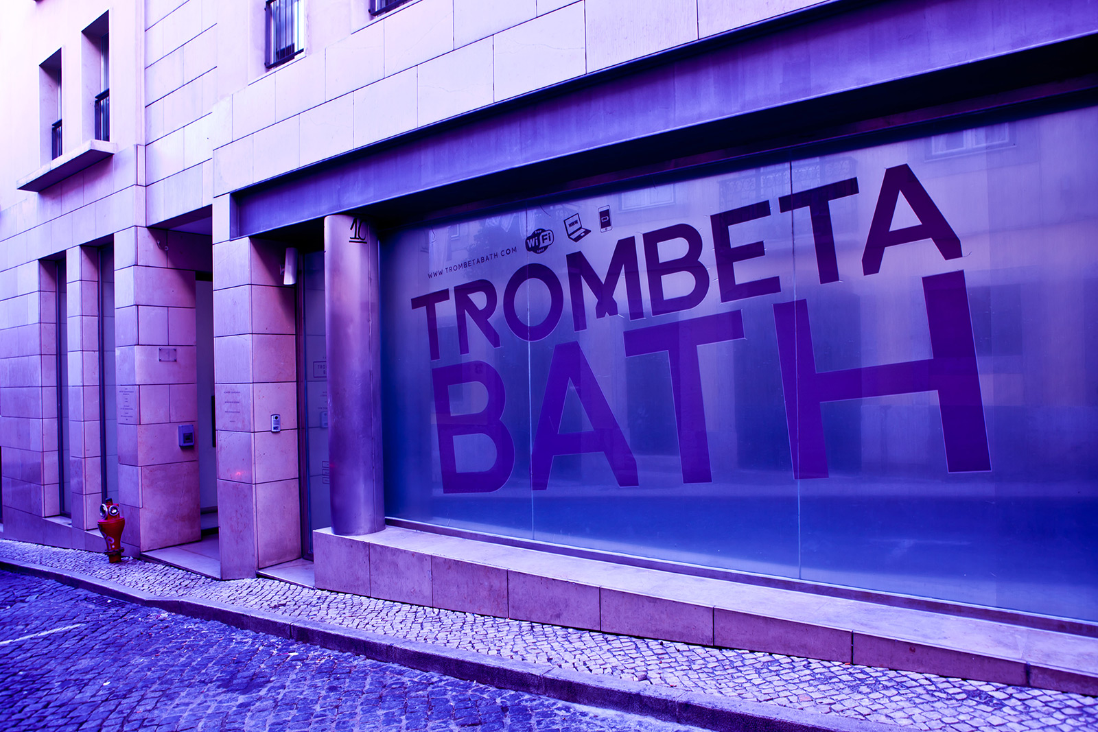 Entrance view for Trombeta Bath, Lisbon, Portugal